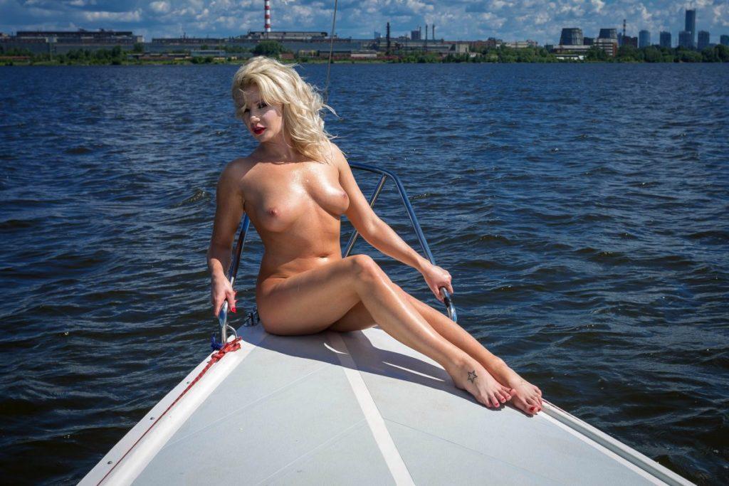 Трахнуть проститутку Пушкино очень легко